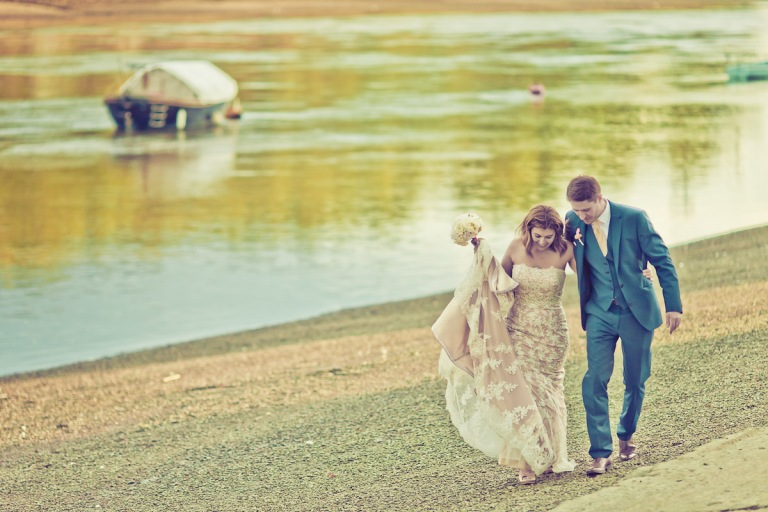 putney-bridge-london-rowing-club-mid-budget-wedding-photographer-affordable